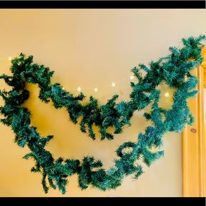 🎄3 for$49! ☃️Christmas Garlands❄️Offers welcome🤗